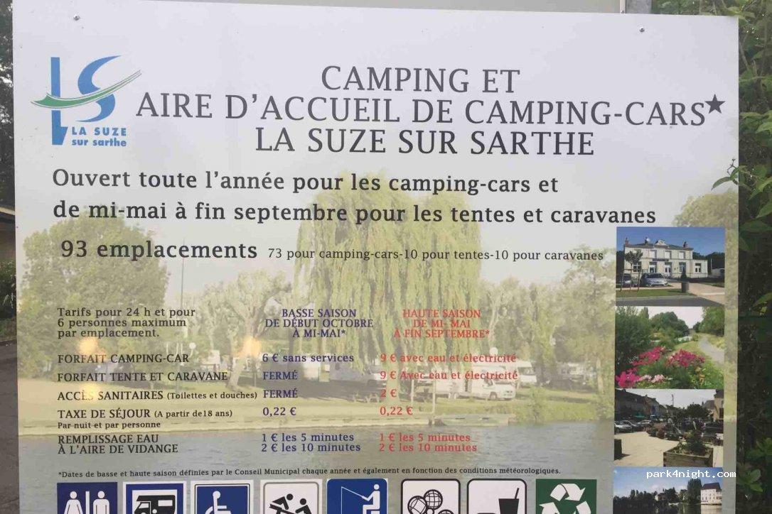 La suze sur sarthe avenue de la piscine sarthe france for A la piscine translation