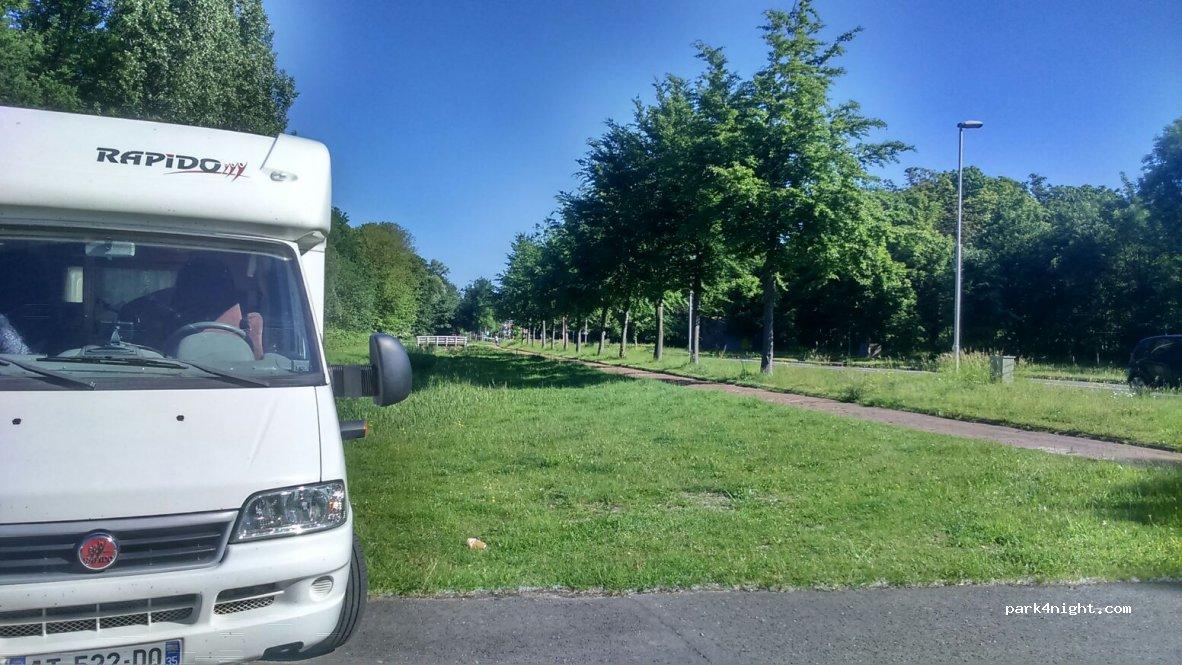 Rotterdam Parking Camping Car