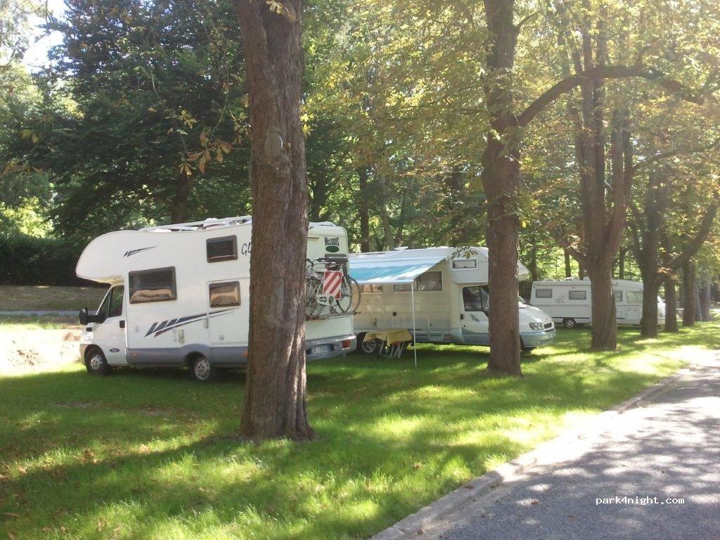 Nantes 21 boulevard du petit port loire atlantique france - Camping du petit port nantes ...