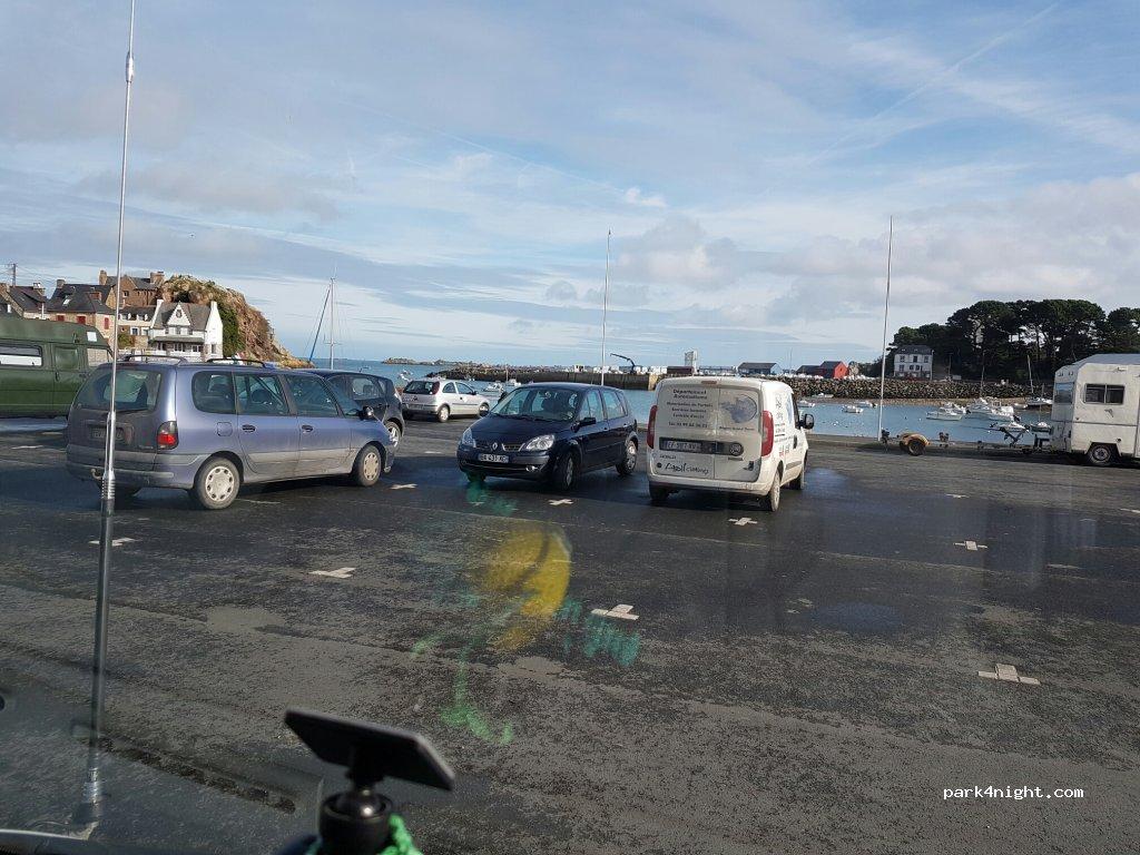 Parking Camping Car Loguivy De La Mer